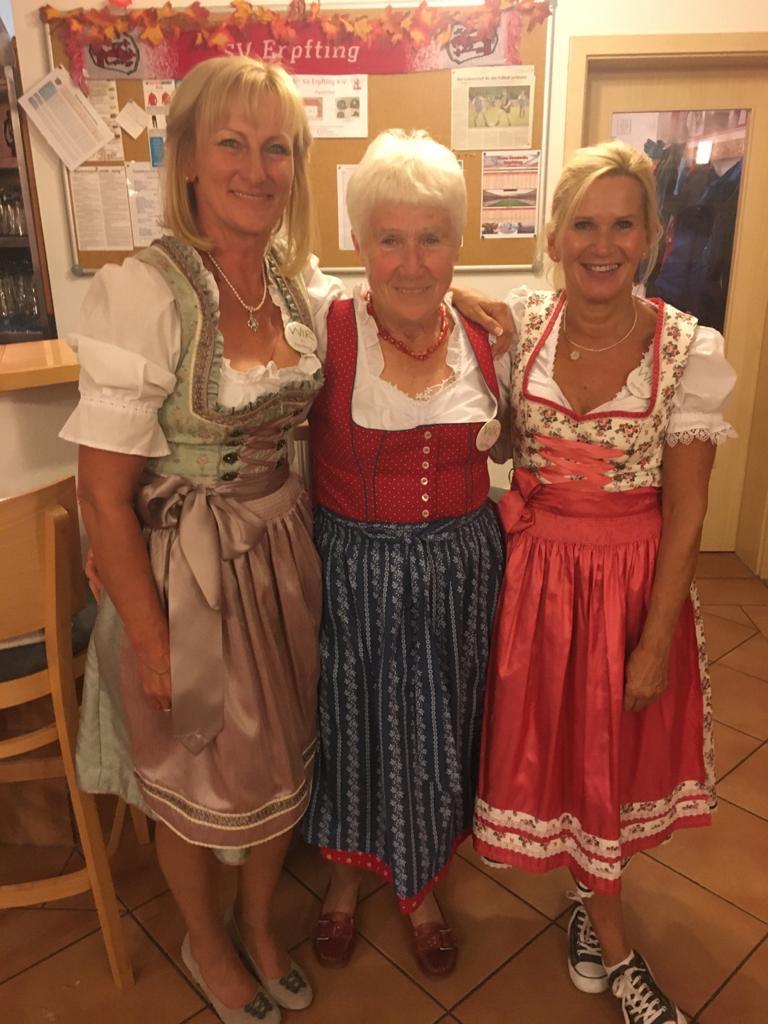 """(v.l.) Irene Bleicher, Annemarie Rötzer und Sissy Kratzer gründeten im Mai 2018 die Nachbarschaftshilfe """"Wir in Erpfting"""""""